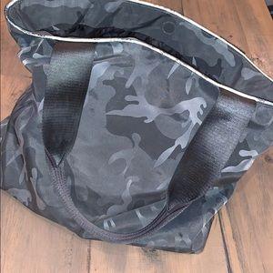Gray camouflage athleta tote bag